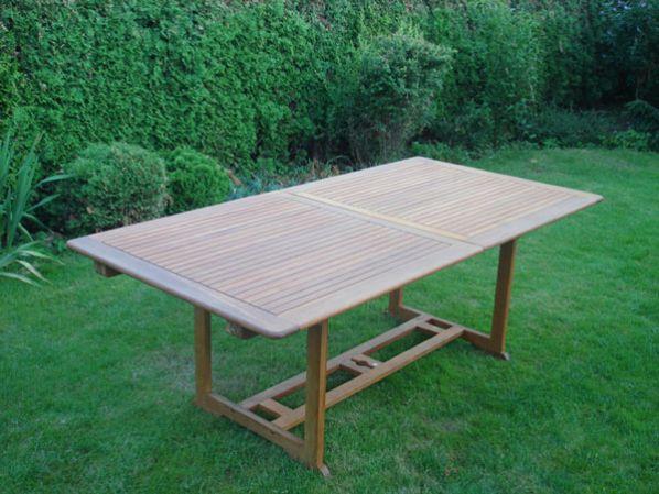 Zahradní stůl velký