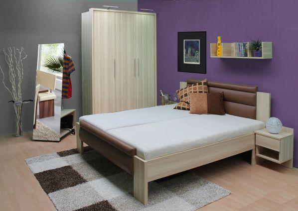 Čalouněná postel Venuše