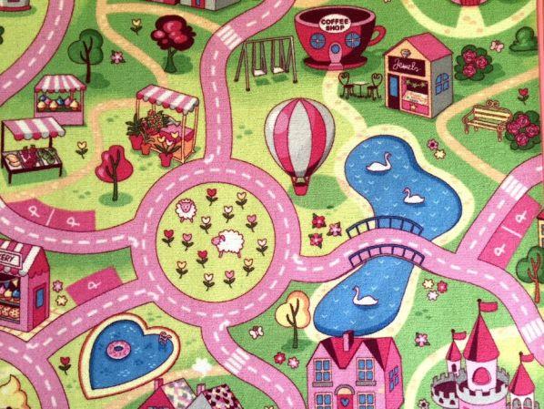 Dětský koberec Sladké město metráž, bez obšití