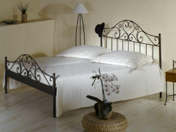 Kovaná postel MALAGA 0408